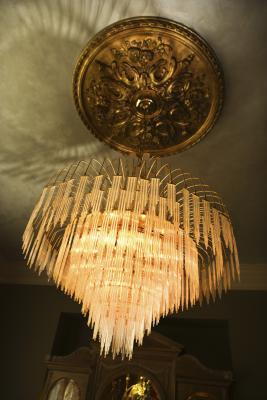 How To Install A Decorative Ceiling Medallion   Farmhouse ...