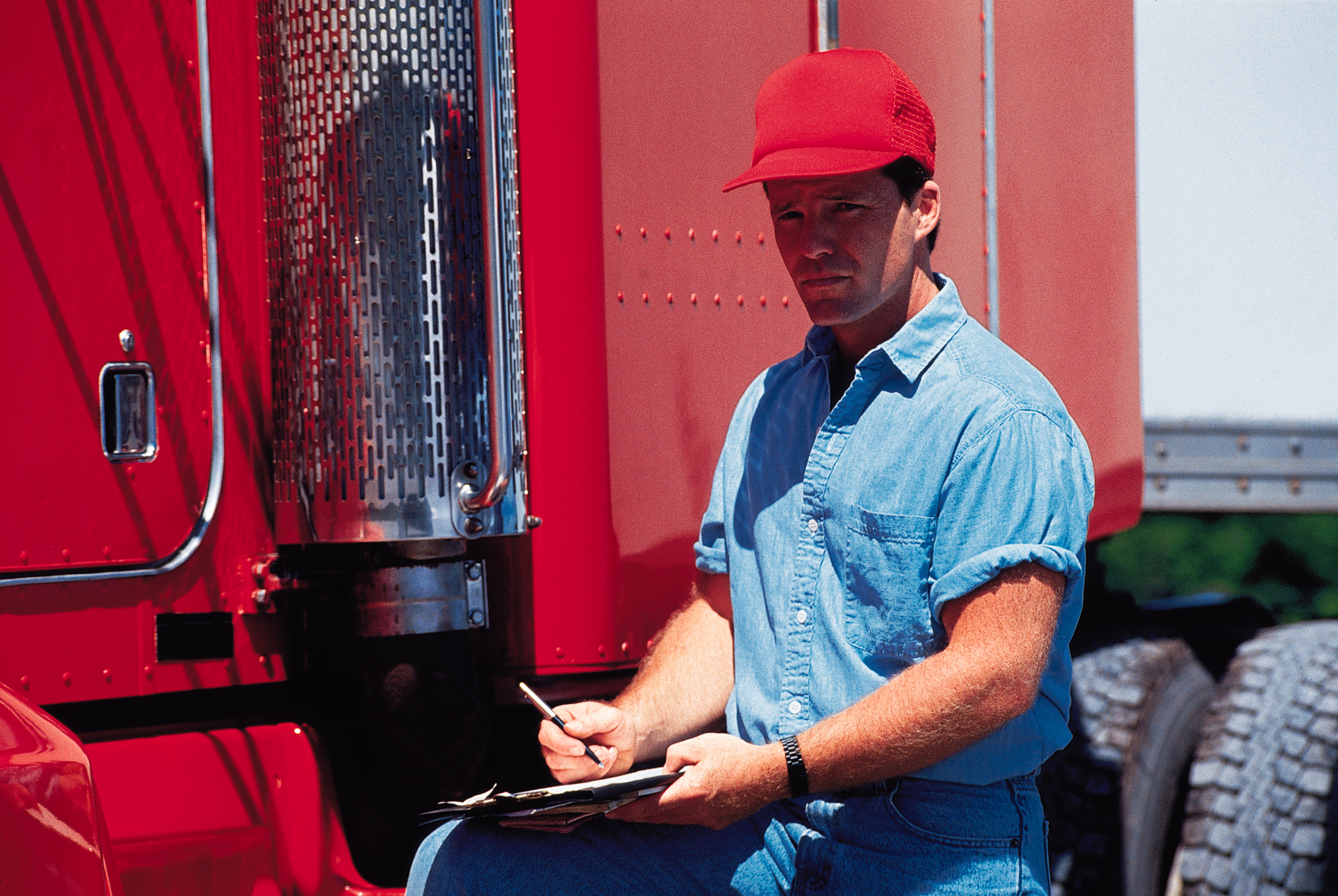 Over The Road Tractors : The average over road tractor trailer driver salaries