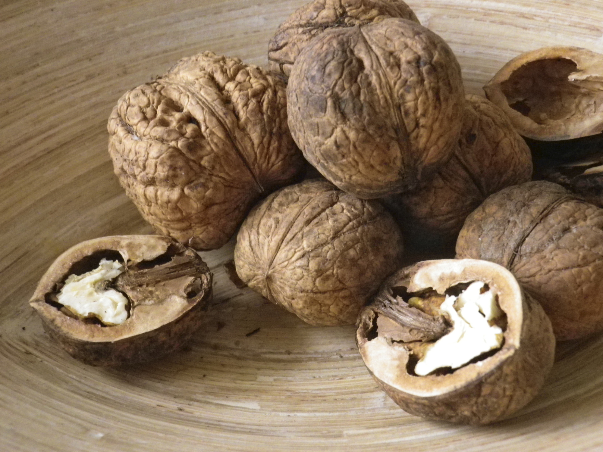 How Much Fiber Do Walnuts Have?