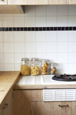 how to paint over old ceramic kitchen tile | home guides
