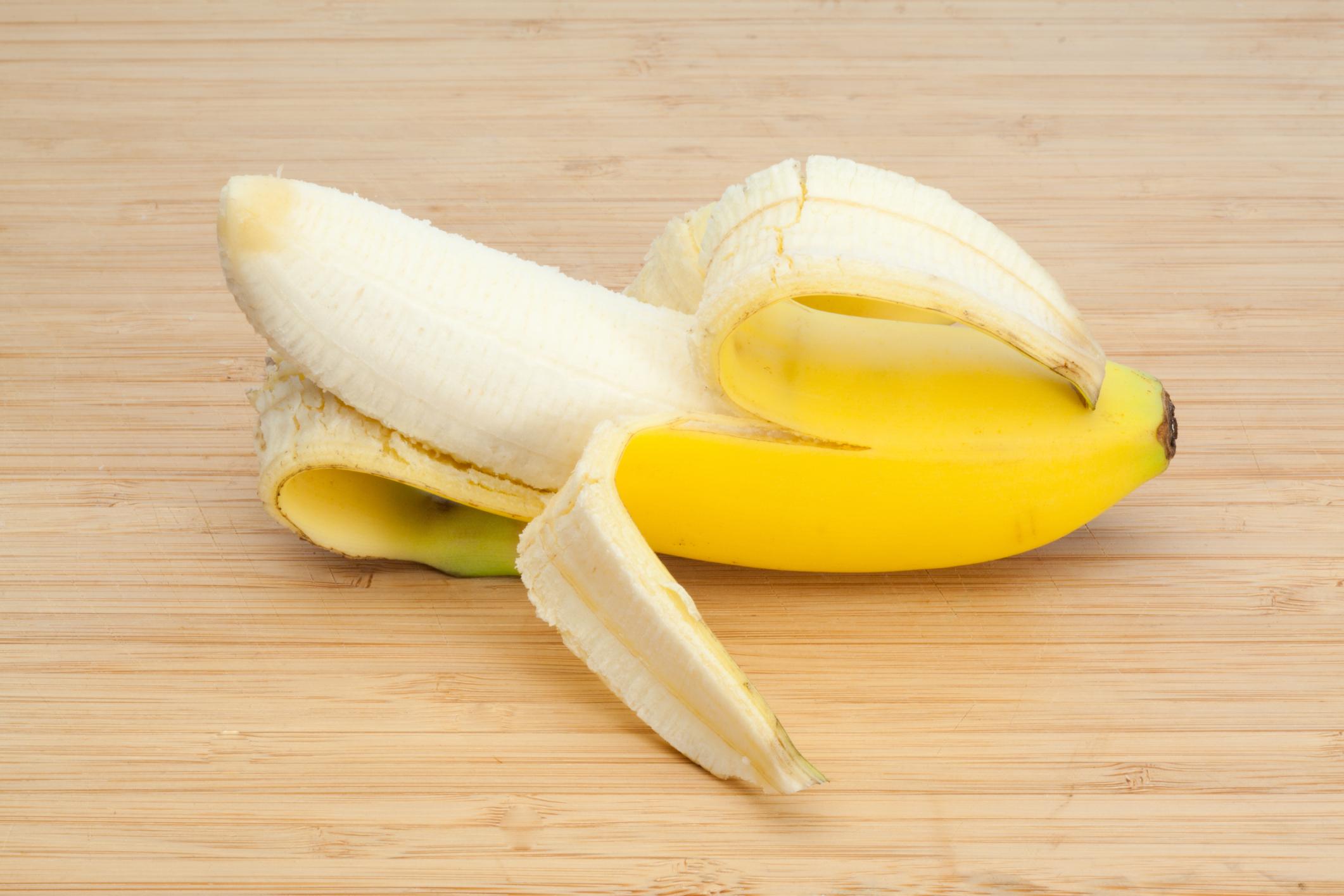 How many kcal in a banana Calorie banana. The nutritional value of bananas 72