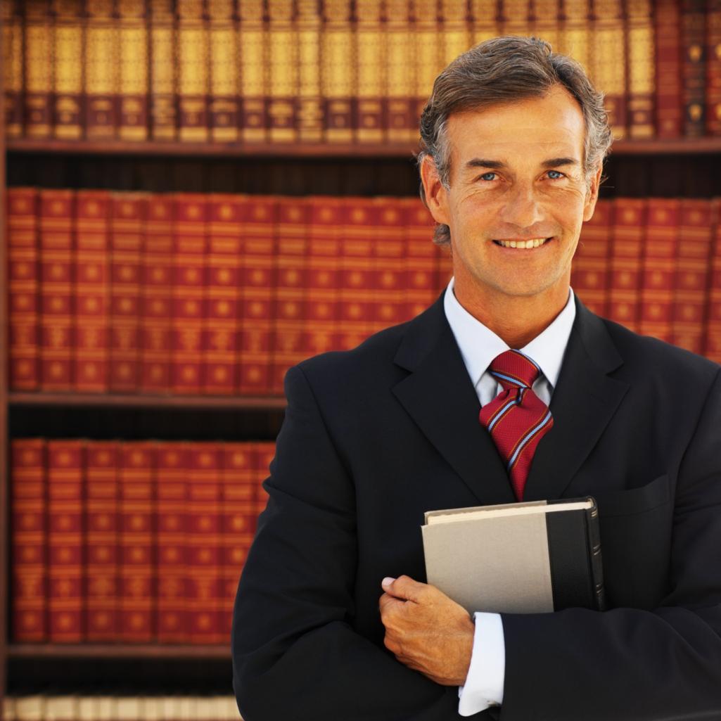 Cuánto dinero gana un abogado de inmigración? |