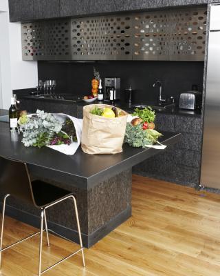 Cu l es el mejor material para el suelo en una cocina con - Cual es el mejor suelo para una casa ...