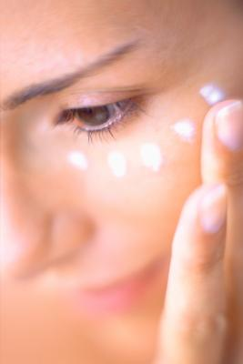 how to get rid of sleepy eyes in the morning