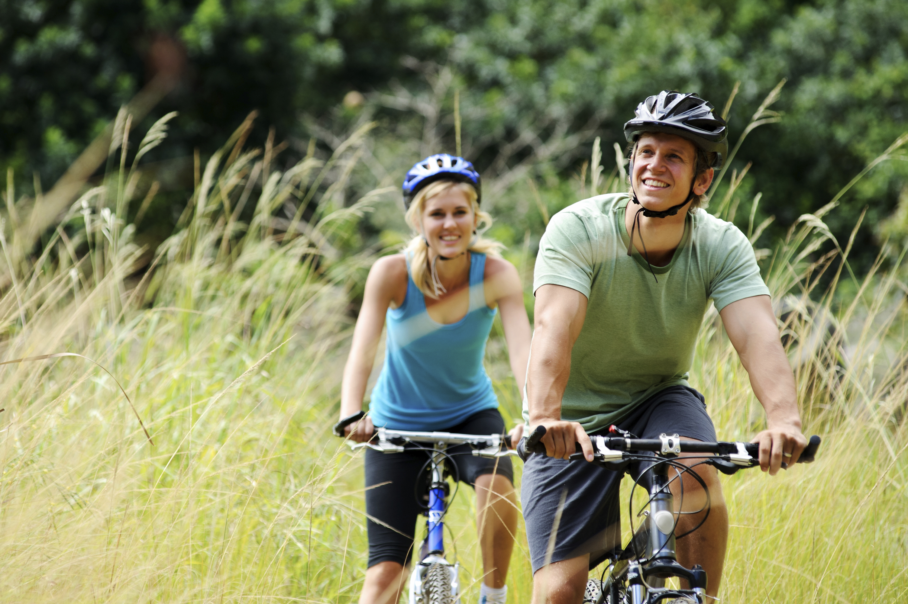 Aerobics against fat: how many calories are burned while riding a bike
