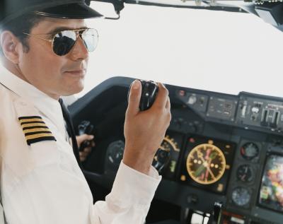 O que significam as listras em uniformes de piloto ehow brasil - Piloto photo studio ...