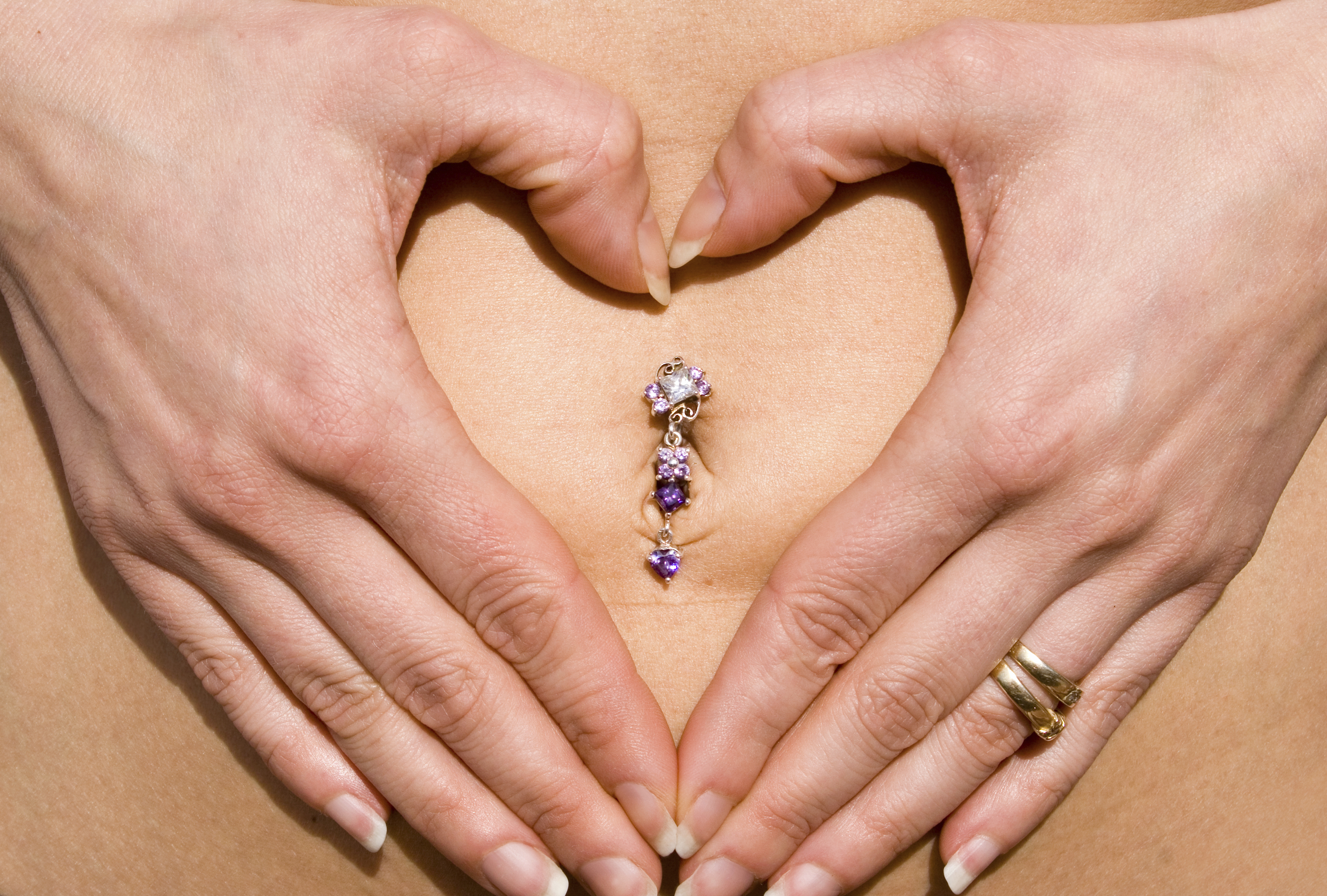 How to Know When Your Belly Button Ring Is Healed   LIVESTRONG.COM