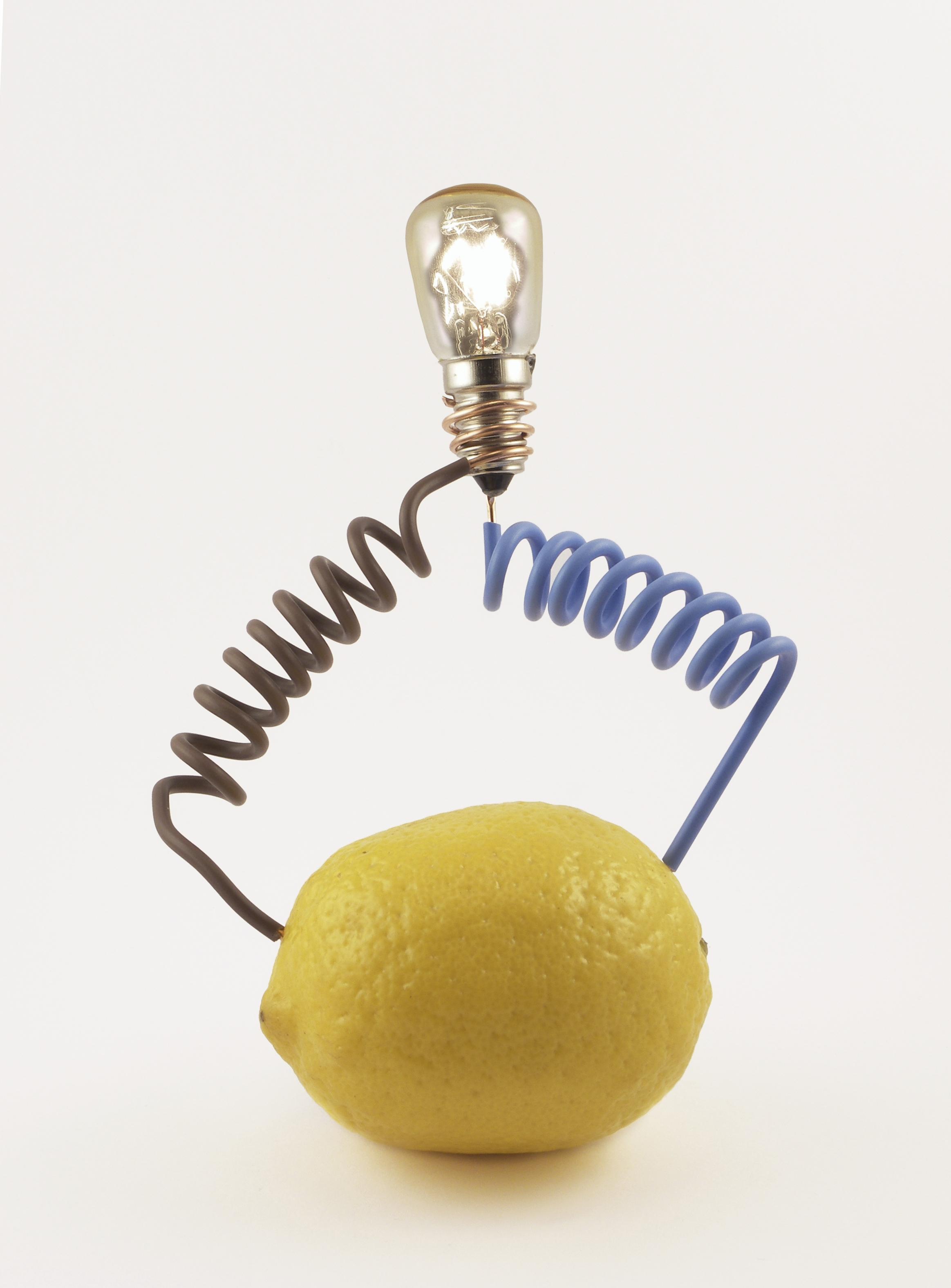 Получить электричество домашних условиях