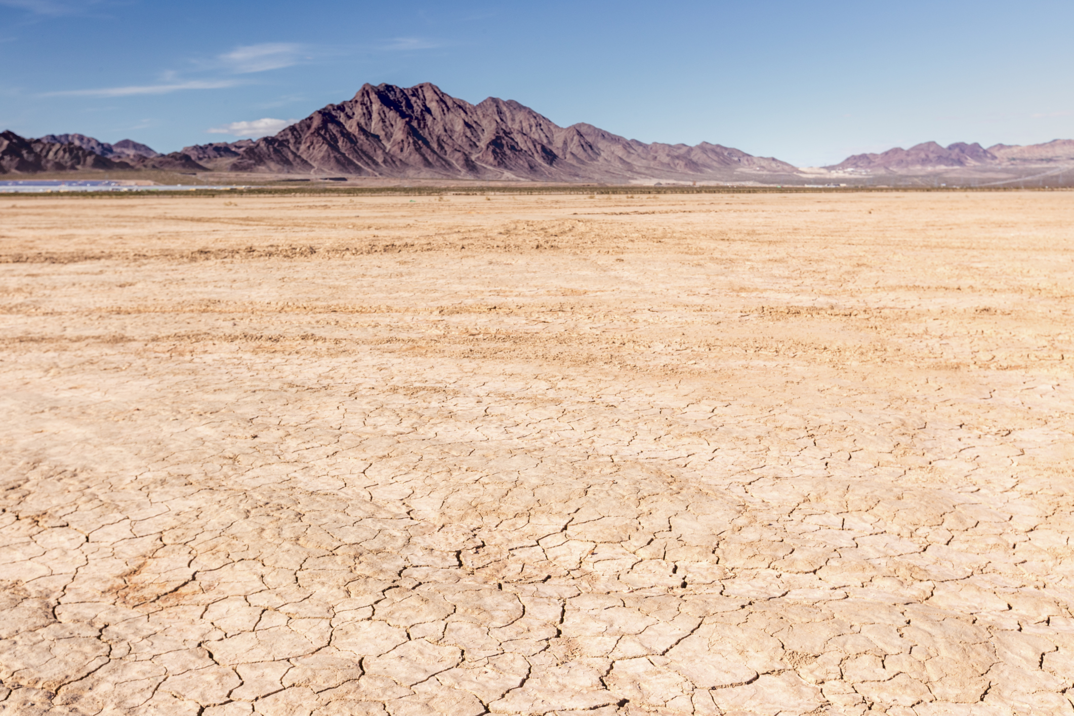 what is the climate of a desert