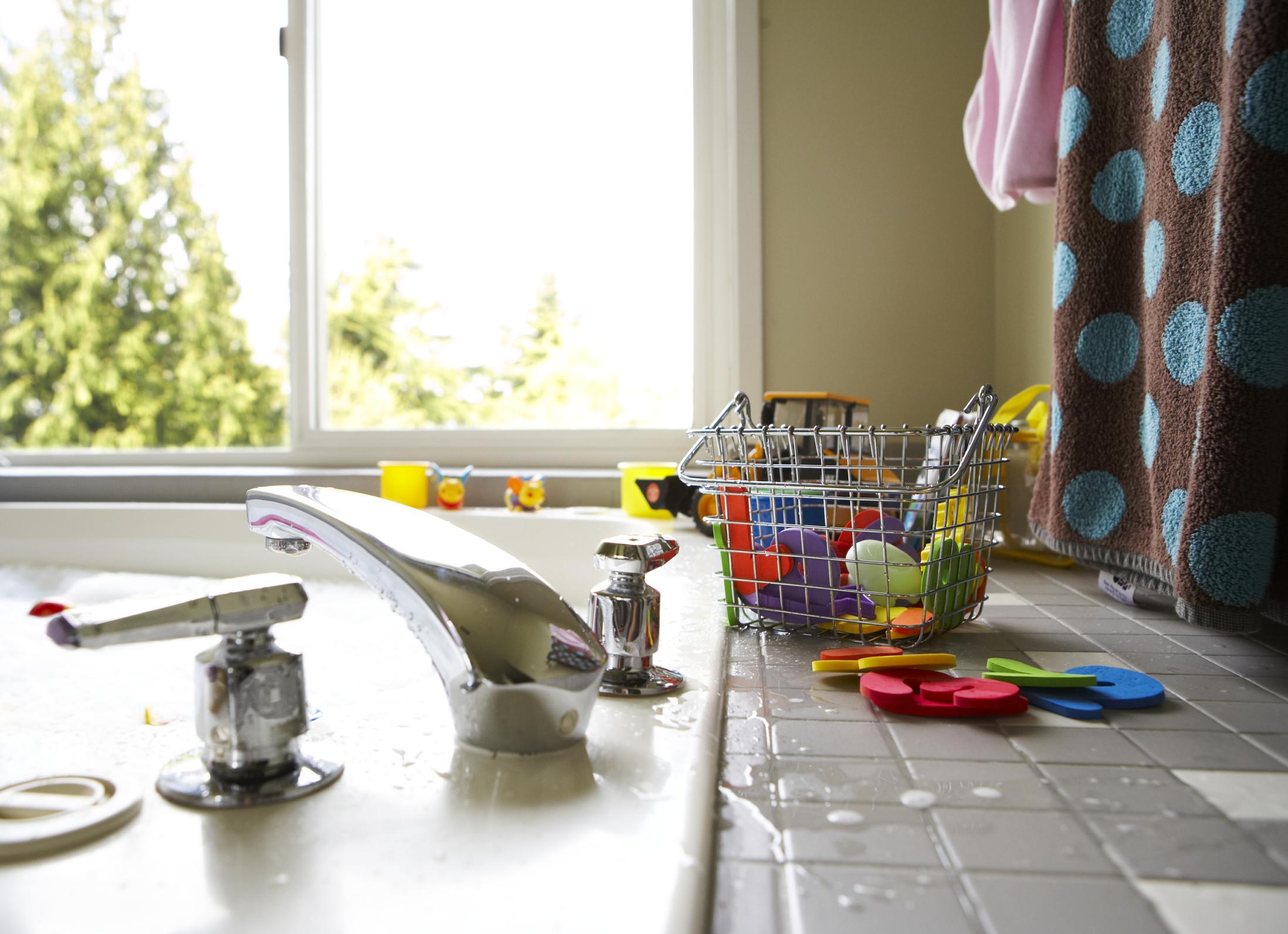 Qué tipo de azulejos puedo usar para la encimera de la cocina? |