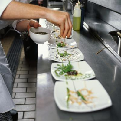 What Is The Difference Between Commercial And Noncommercial Food Service