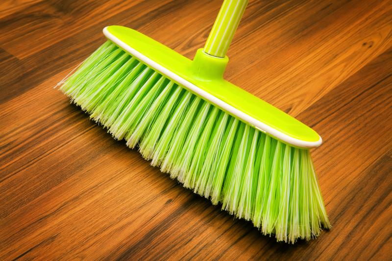 The Best Broom For Sweeping Hardwood Floors Home Guides