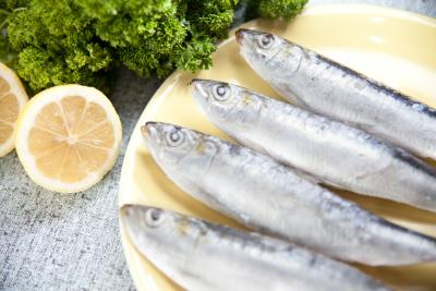 foods blood list thinning omega rich getty thinners natural sardines fatty acids istock credit