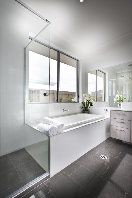 The Average Cost To Replace The Tub Surround With Cultured Marble | Home  Guides | SF Gate