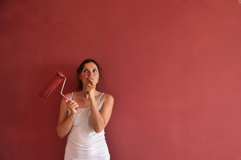 What Colors Can Be Used With Burgundy For Sponging Walls