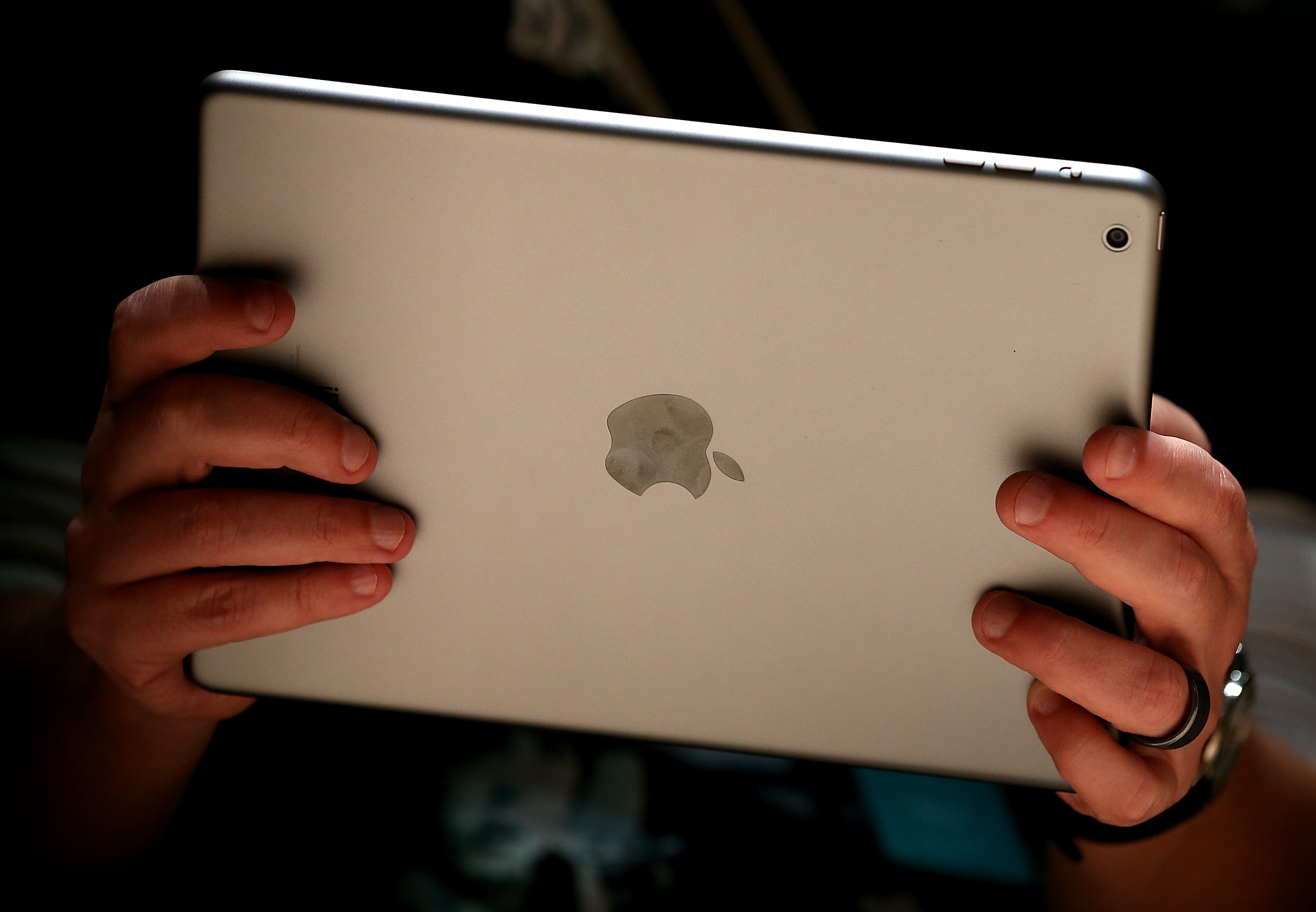 How to Fix a Slow Streaming iPad | It Still Works