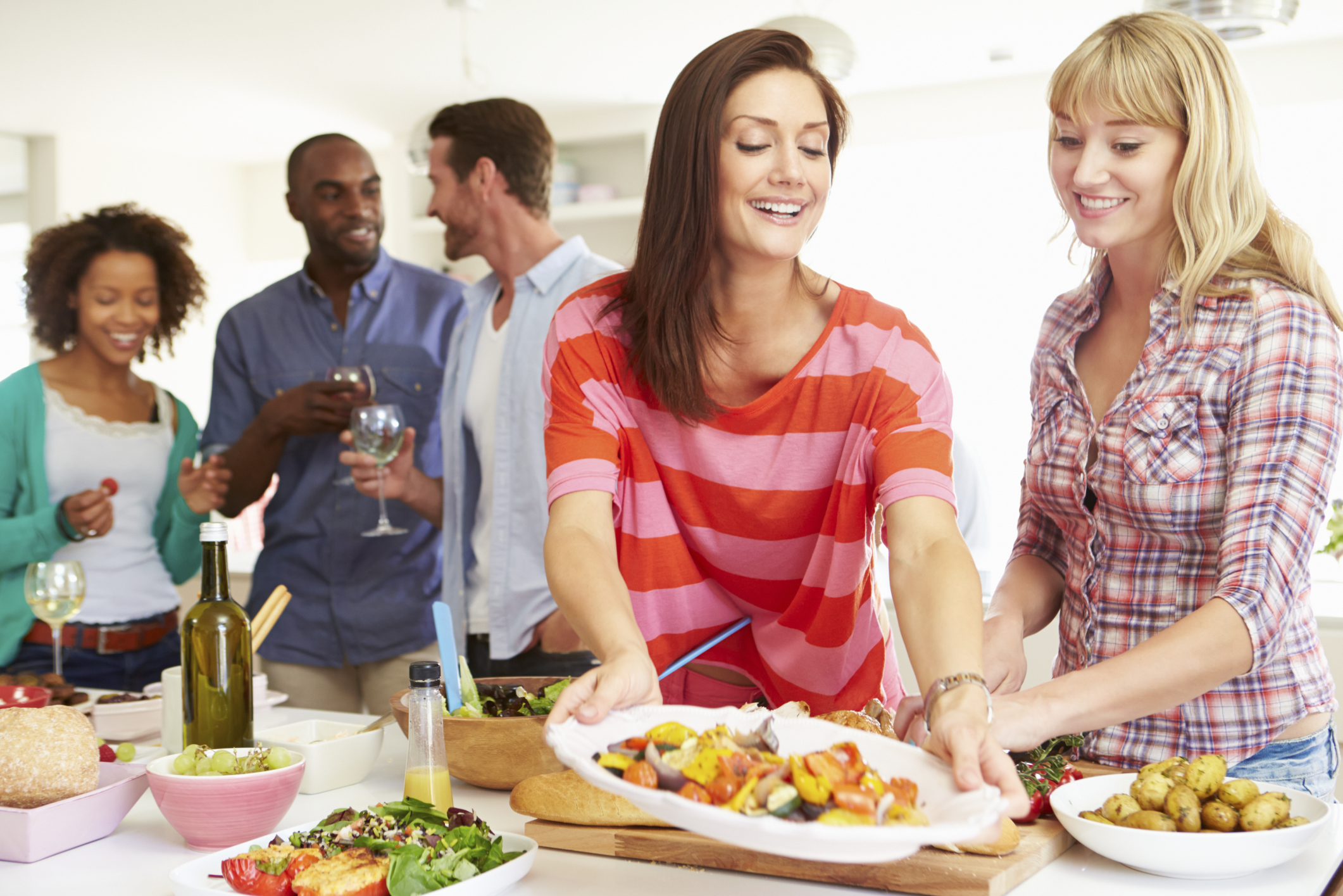 What To Bring When Invited To Dinner Synonym