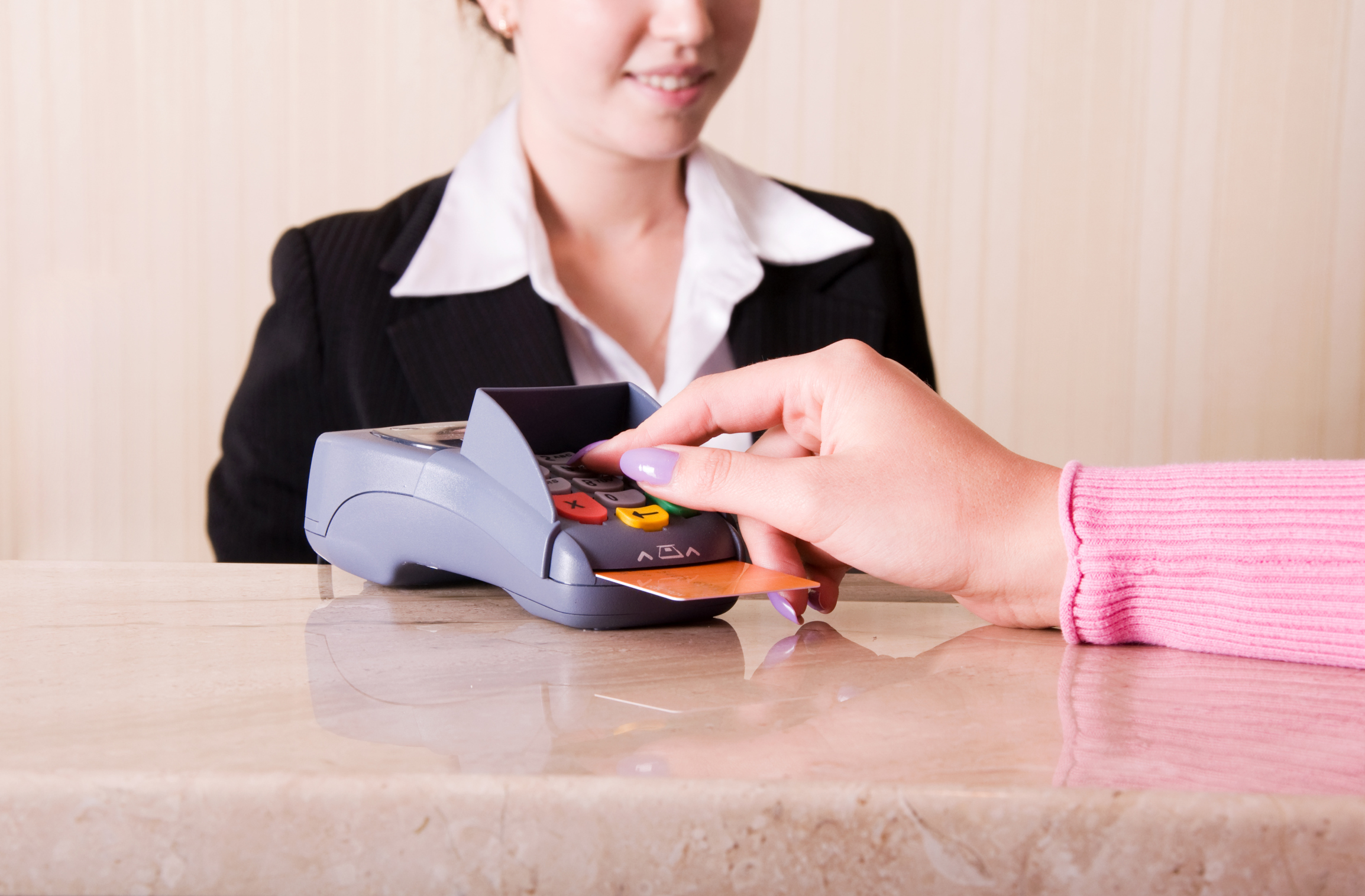 hotel cashier job description