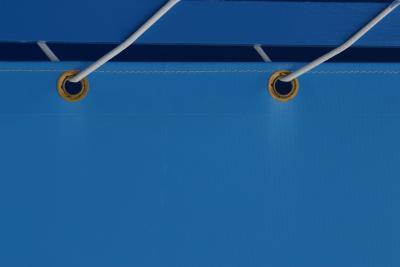 Instrucciones para colocar ojales en una lona ehow en for Ojales para toldos