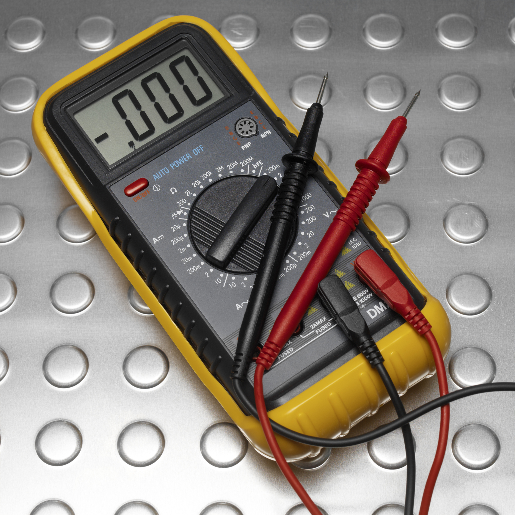 How to Diagnose a Circuit Board With a Bad Transistor
