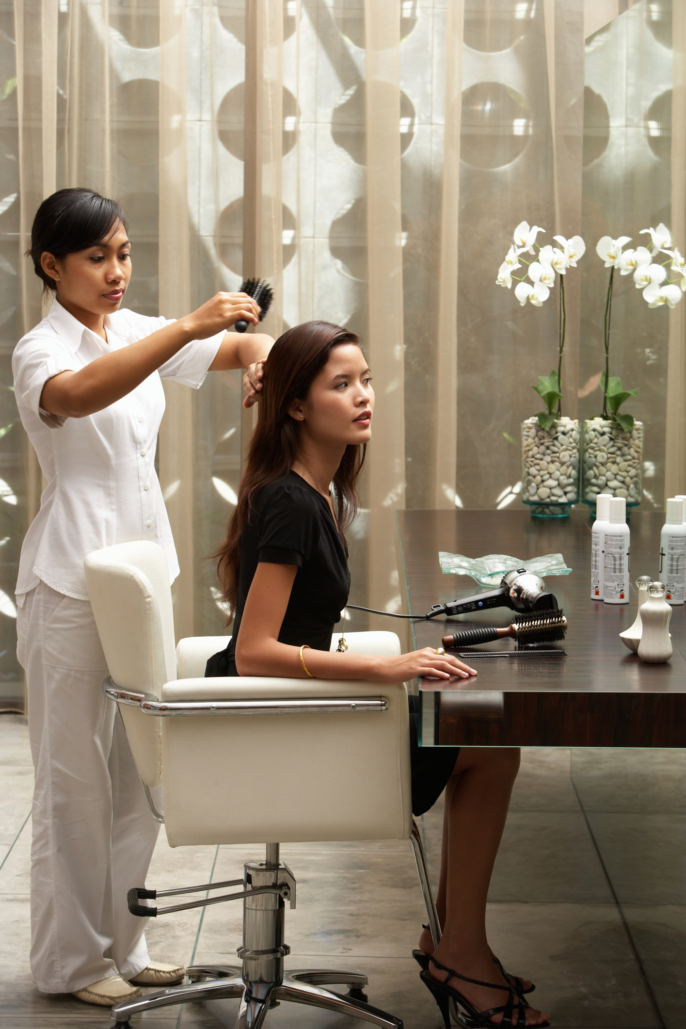 Salary Of A Hair Stylist At An Upscale Salon Career Trend