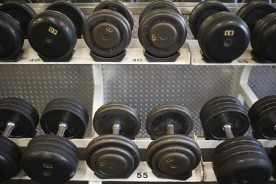 how to build lats with dumbbells