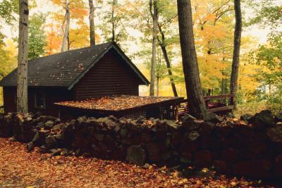 Romantic cabins in brown county indiana ehow uk for Ponte coperto cabina brown county