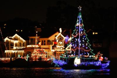 Fun places to go in texas during christmas usa today for Places to visit in christmas in usa