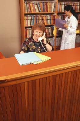dental receptionist responsibilities