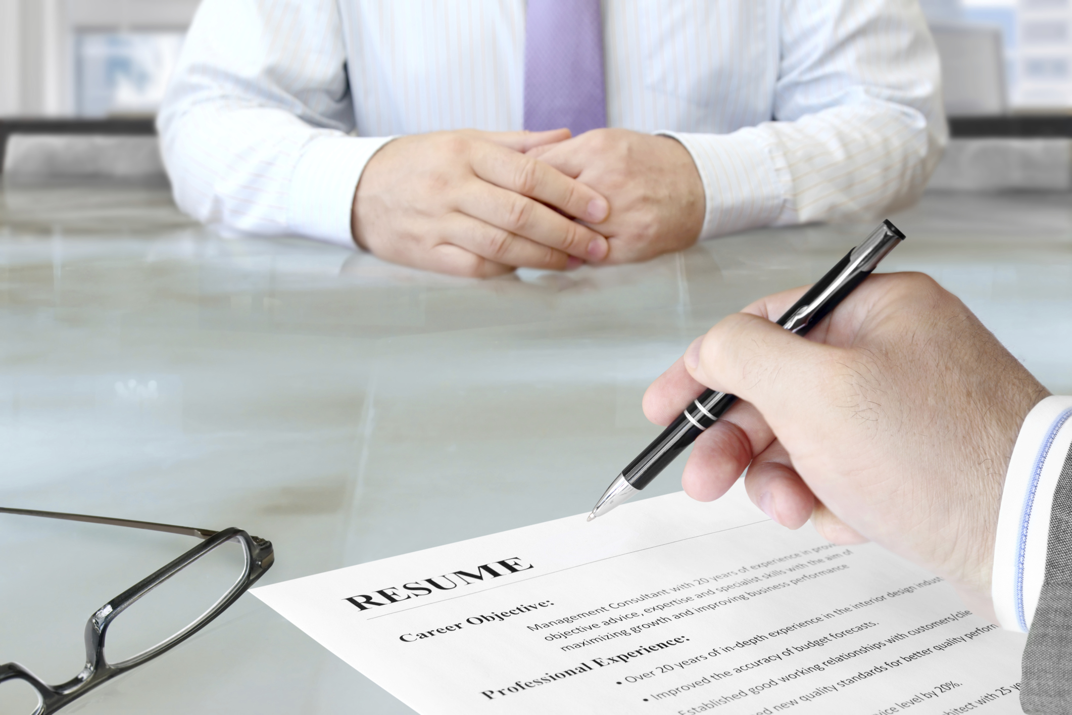 How to Write a Resume Objective for a Non-Specific Job | LIVESTRONG.COM