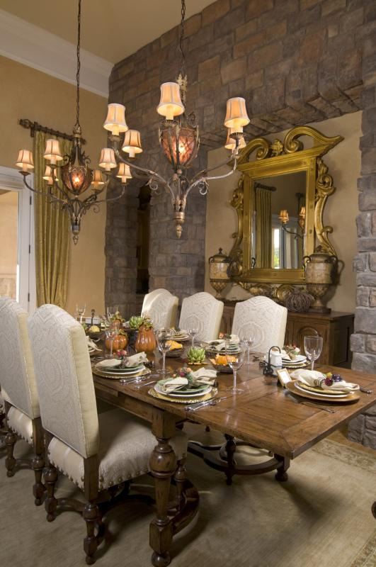 How to choose an accent wall for a kitchen and dining room for Rustic dining table centerpieces