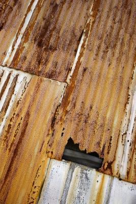 How To Cut Fiberglass Corrugated Roofing Panels Ehow Uk