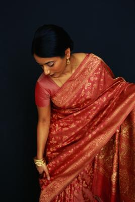 how to put on a sari instructions