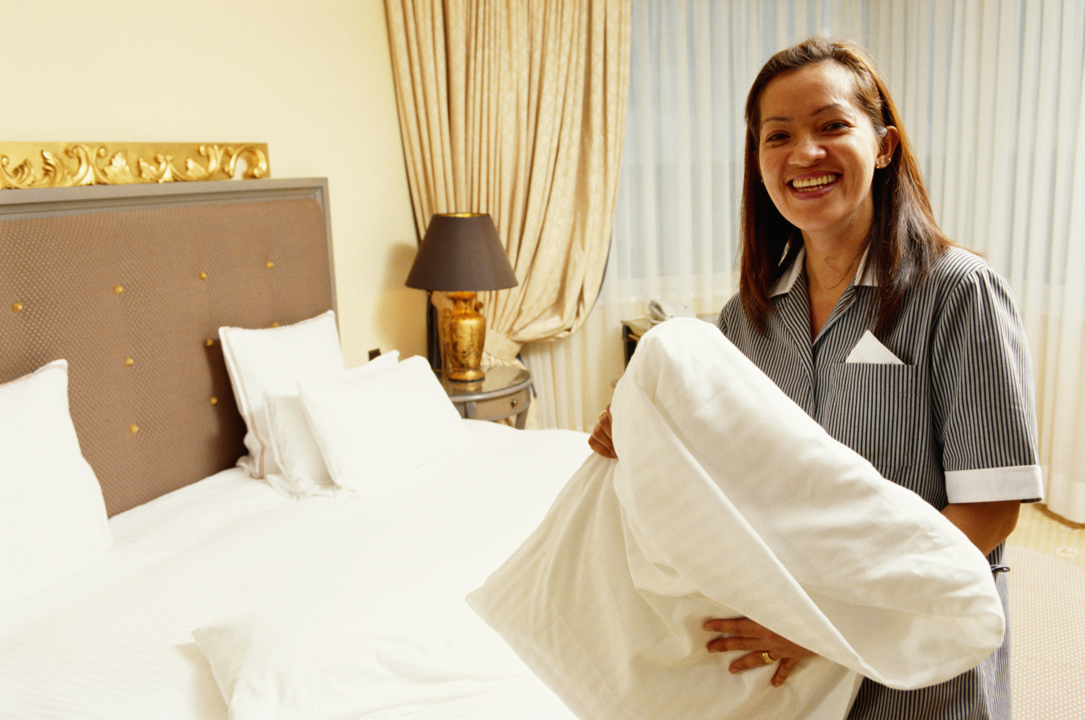 what is room attendant in a hotel
