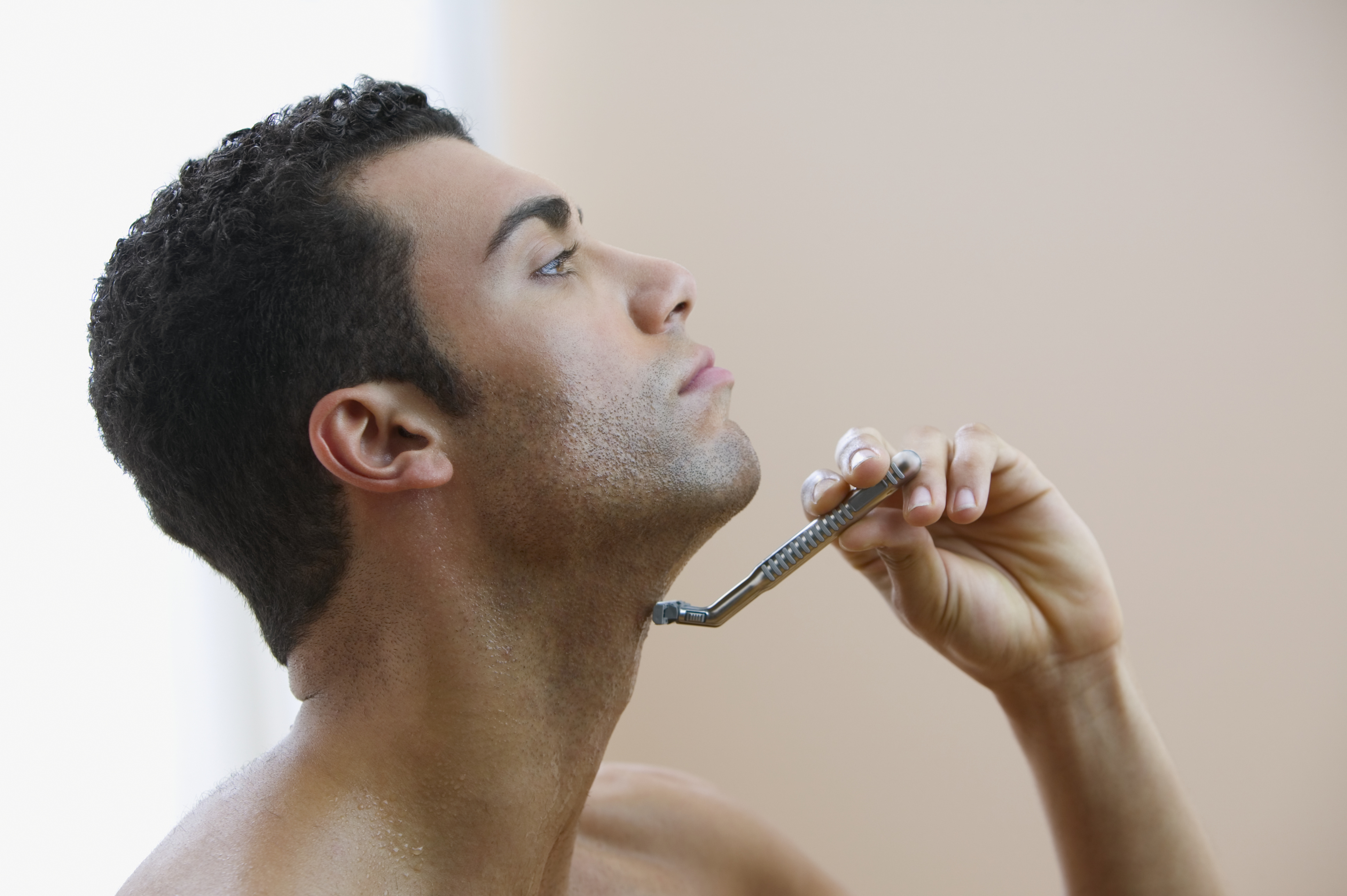 How To Get Rid Of Unsightly Razor Bumps In The Neck Area