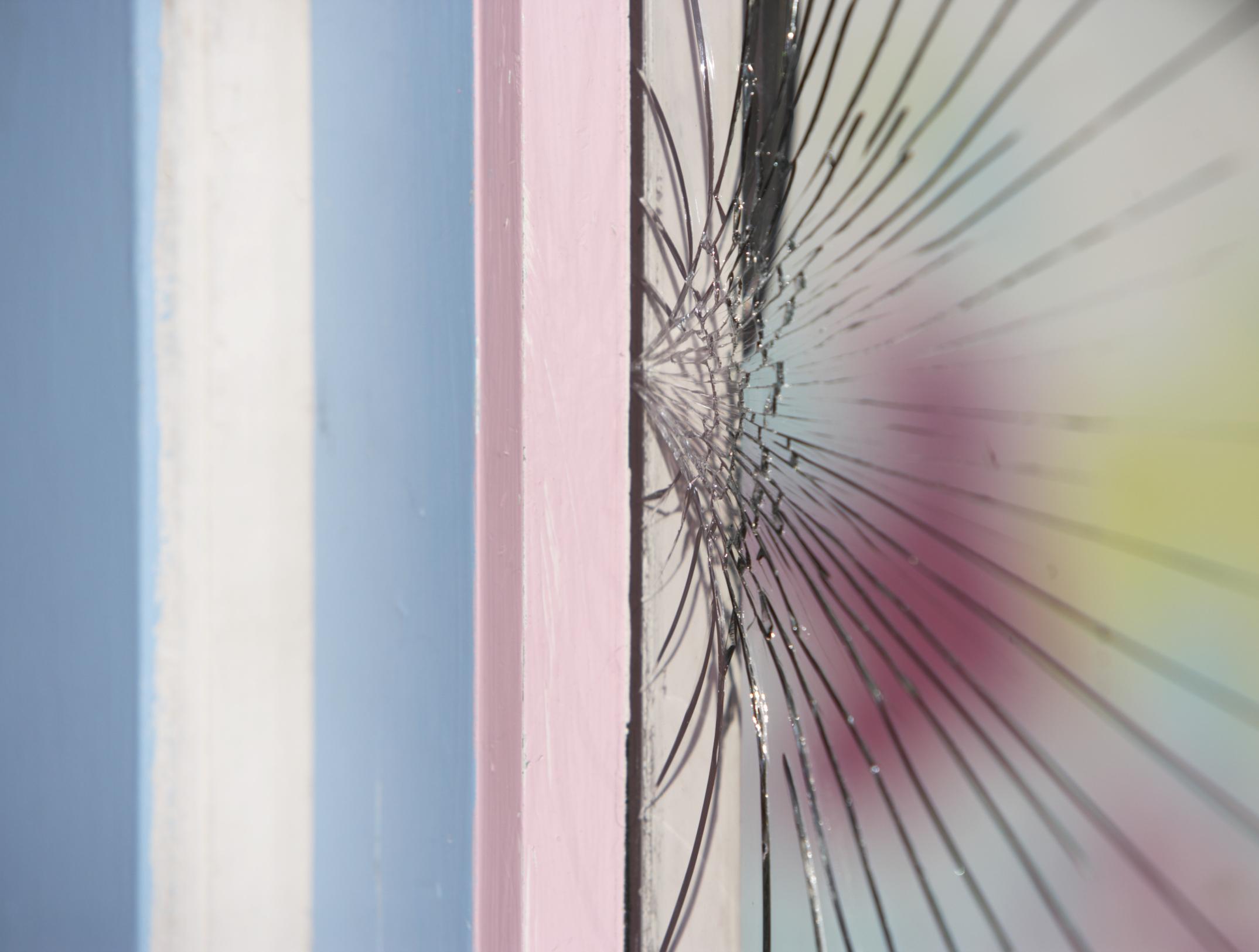 Cómo reemplazar el vidrio en una ventana de aluminio |