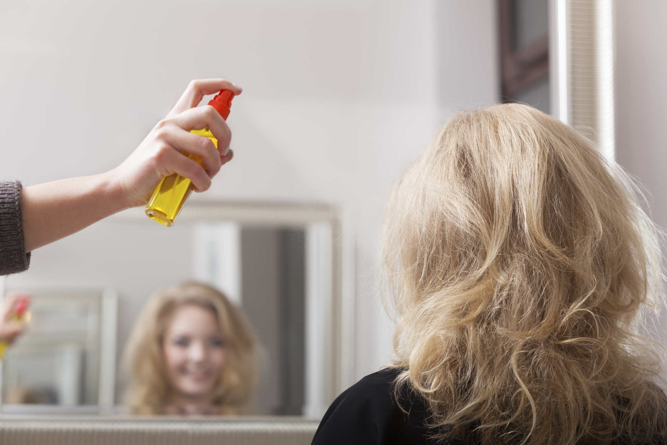 Spray Expert Hair: recall of women and the composition of the drug