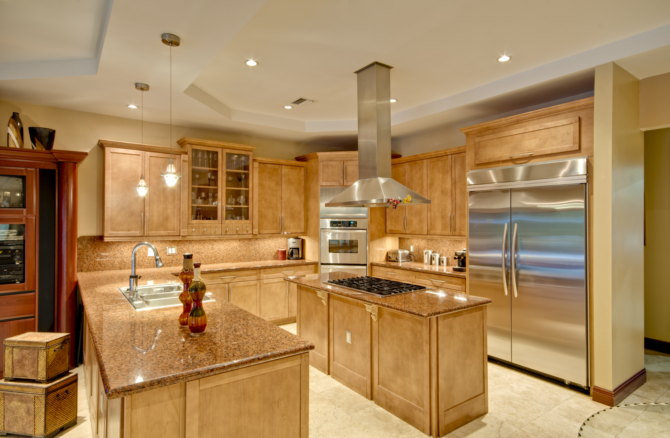 Decorating Ideas For A Kitchen With Blonde Cabinets