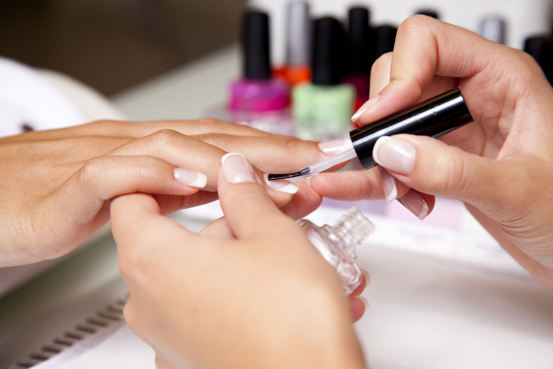 The Best Way to Strengthen Fingernails | LIVESTRONG.COM