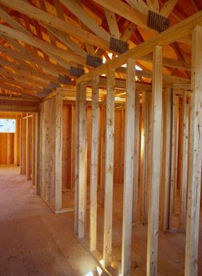 Relleno de madera para reparar vigas de soporte podridas - Reparar madera ...