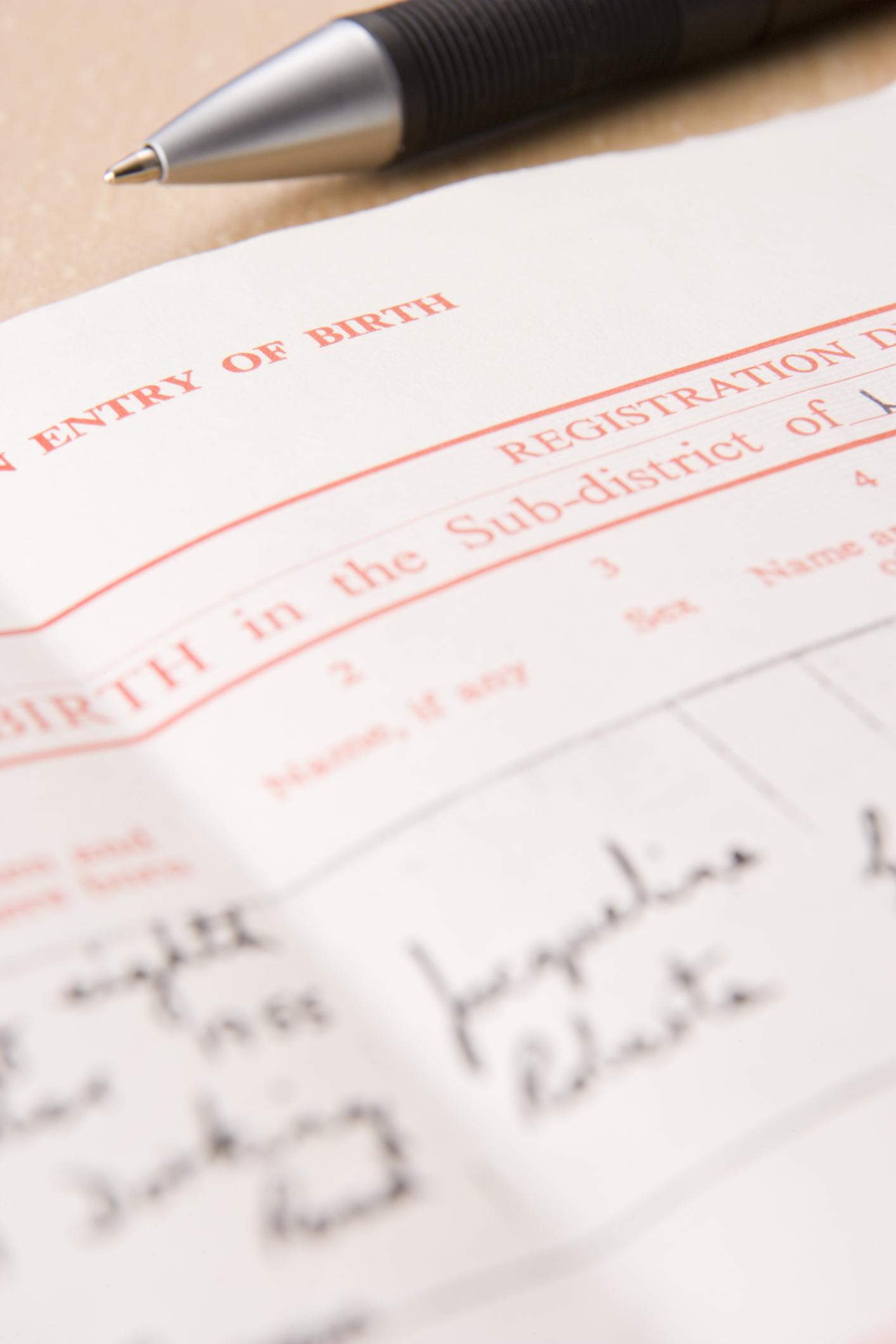 Cómo puedo incluir el nombre del padre de mi hijo en su certificado ...