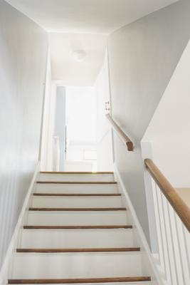 How To Anchor Stair Railing With Plaster Amp Lath Home