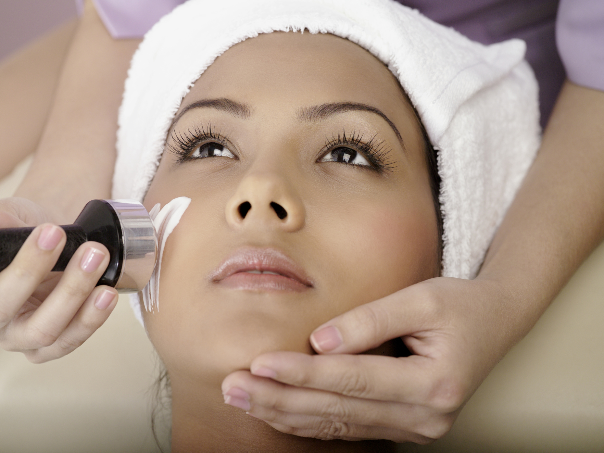 Microdermabrasion vs chemical peels livestrong solutioingenieria Gallery