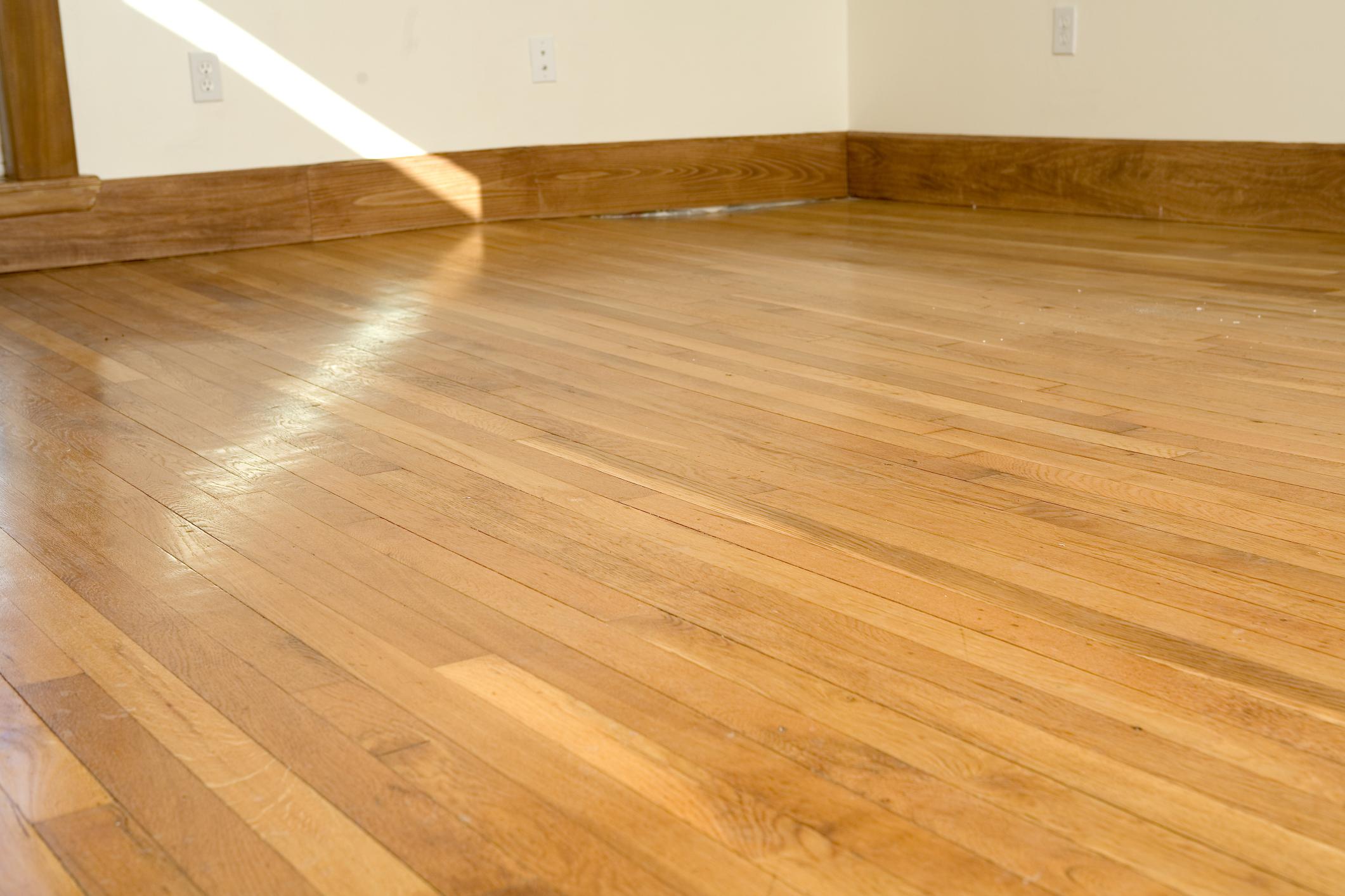 Como limpiar un suelo de madera simple como limpiar y - Como limpiar suelos porosos ...