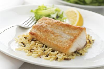 The collin dong diet livestrong com for Fish and rice diet