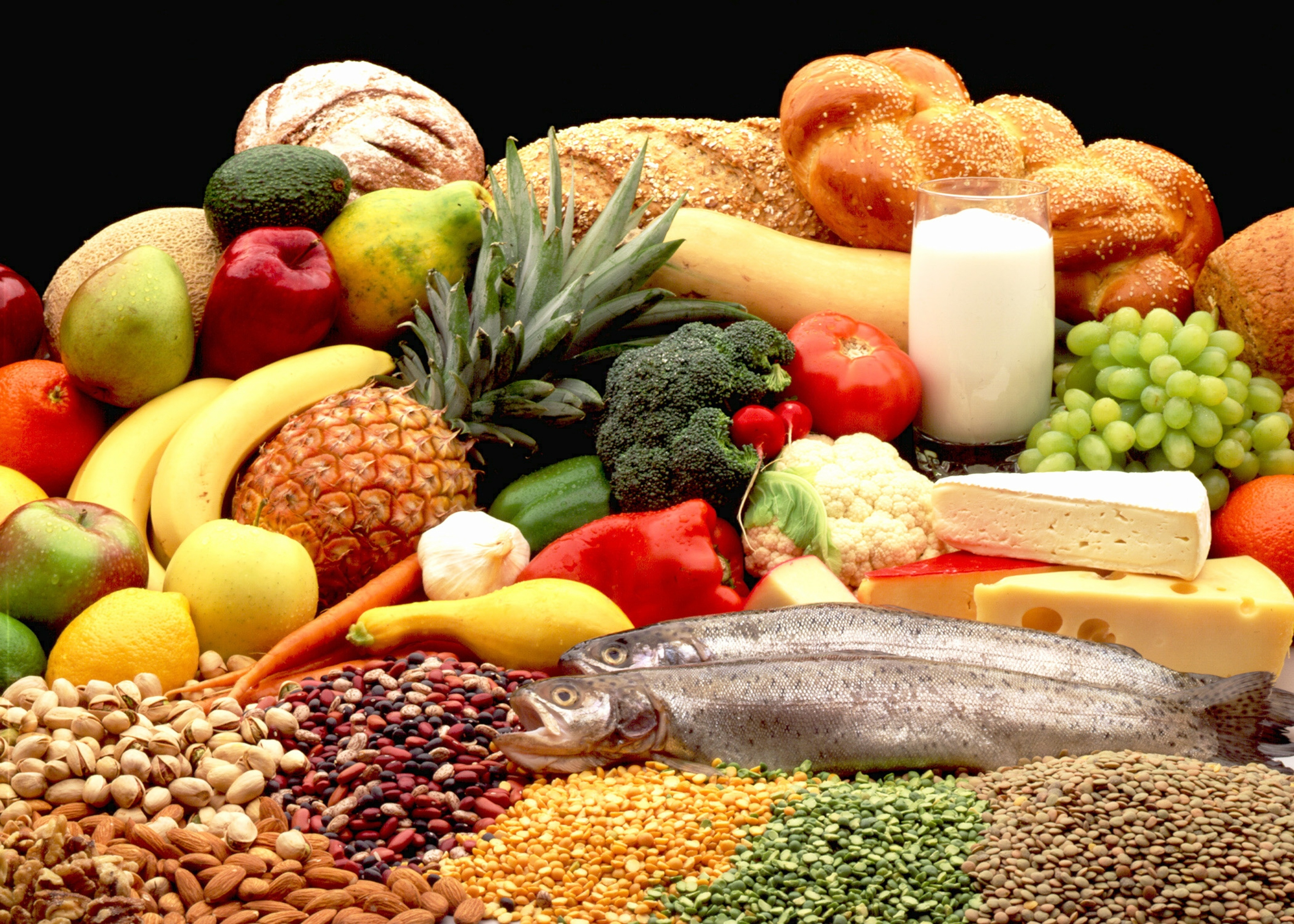 Many plant foods offer good amounts of soluble and insoluble fiber.