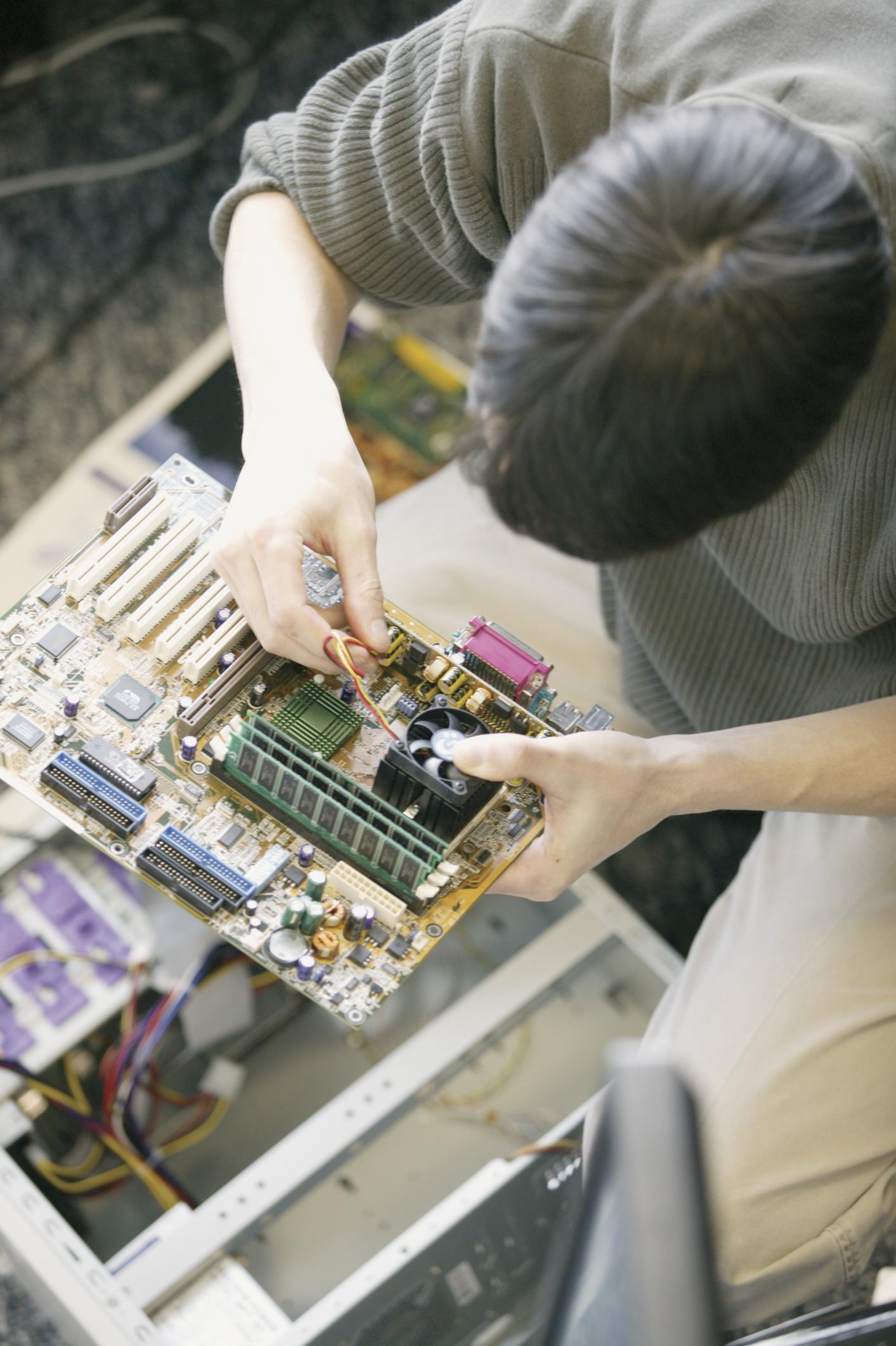 duties  u0026 responsibilities of a computer technician
