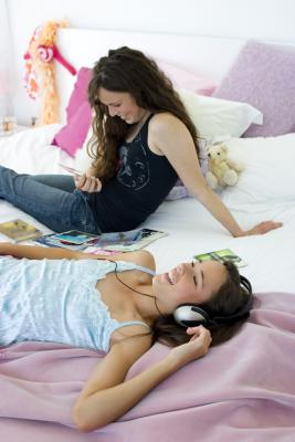 How to decorate a room for teen girls with no money needed - How to decorate a house with no money ...