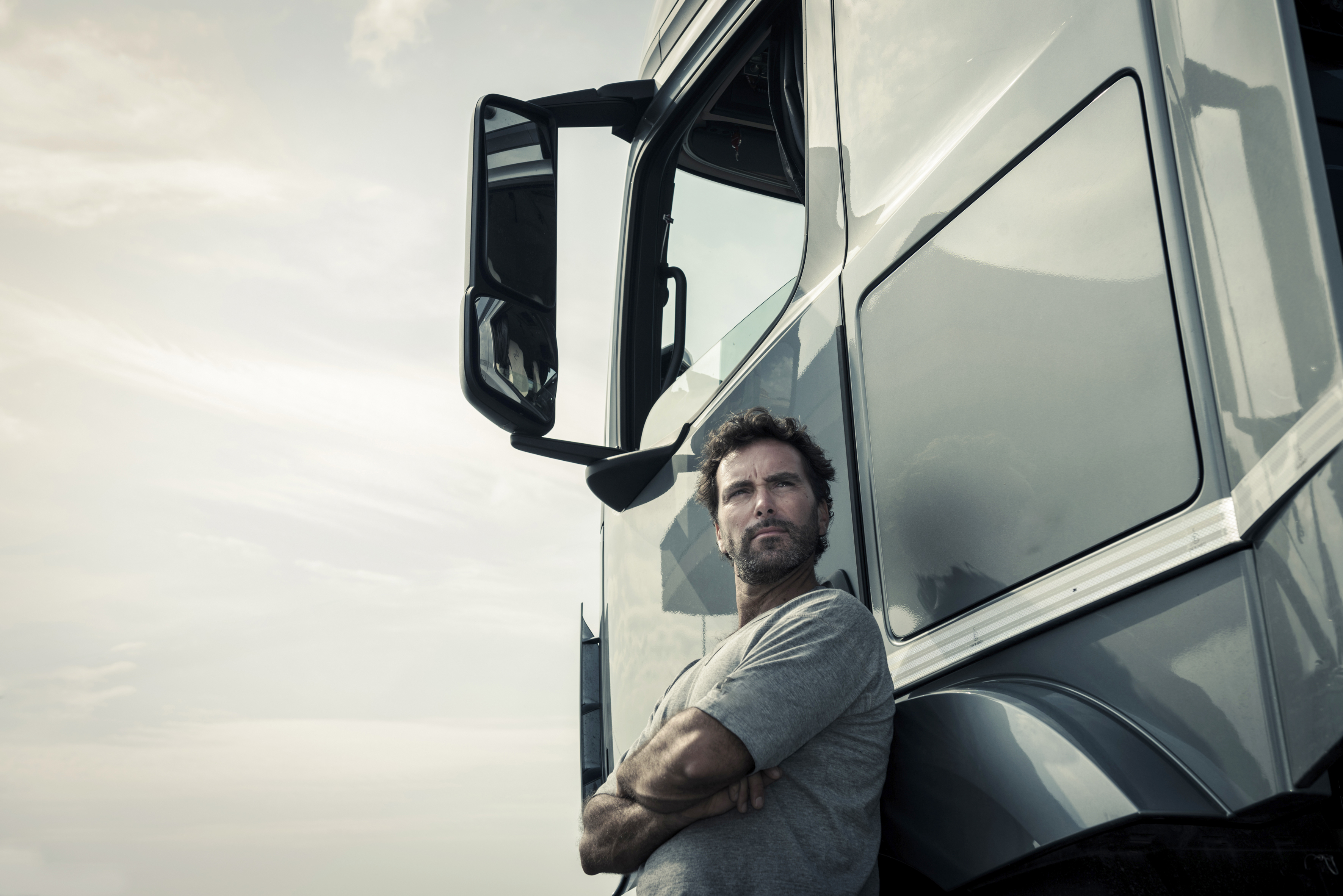 Driving Record Requirements for Obtaining a CDL | Bizfluent