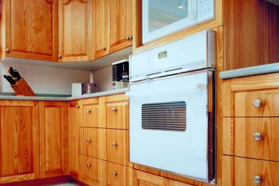 What everyday items can be used to clean wood kitchen for Best cleaning solution for greasy kitchen cabinets